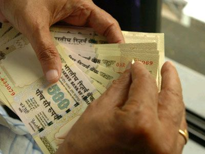 Indian-Rupee-dips-to-all-time-low