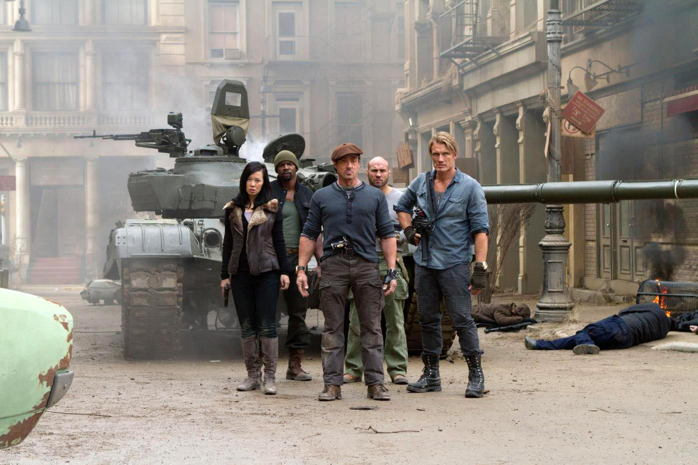 THE EXPENDABLES 2 MOVIE REVIEW FROM BOLLYWOOD LAND | CITY